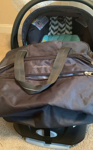 Car seat and baby bag for Sale in Raeford, NC
