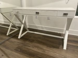Desk for free for Sale in Los Angeles, CA