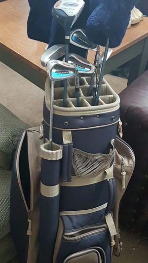 Women's golf clubs and bag for Sale in Eagar, AZ