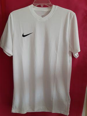 New DS Men's Nike Dri-Fit Short Sleeve SIZE M for Sale in Marietta, GA