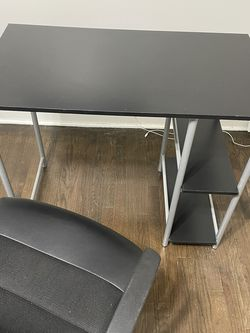 Computer Desk and Chair for Sale in Chicago,  IL