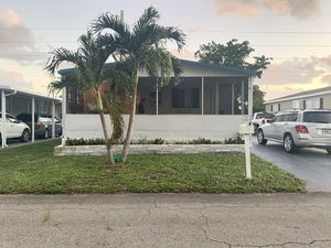 Beautiful, fully-furnished 2/2 MH for Sale in Pompano Beach, FL