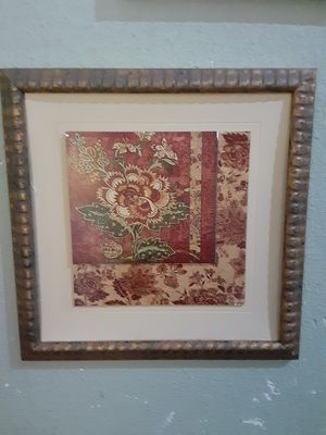 Flower Frame wall decor $10.00 cash only (serious buyers) for Sale in Dallas, TX