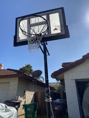 Basketball court hoop for Sale in Moreno Valley, CA