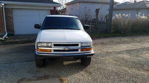 Chevy Blazer 2003 4x4 for Sale in Brookfield, IL