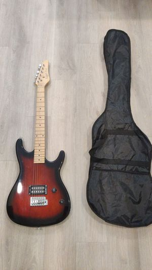 Electric guitar and carry bag for Sale in Chapel Hill, NC