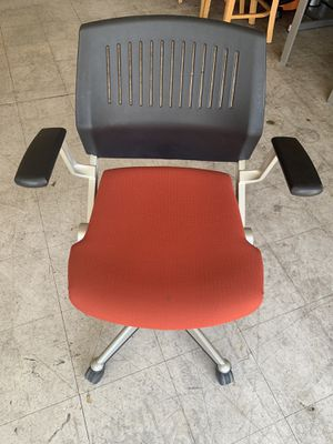 Office chair for Sale in Visalia, CA