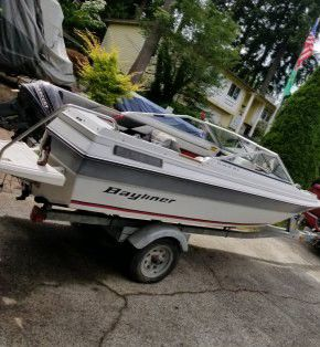 Bayliner, Capri. 16ft 8hp 2 stroke outboard motor. And the trailer for Sale in Kirkland, WA