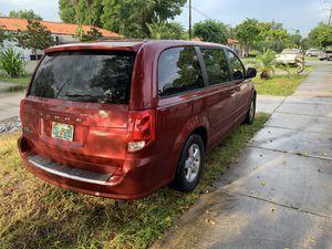Dodge grand caravan 2011 clean title for Sale in Miami, FL