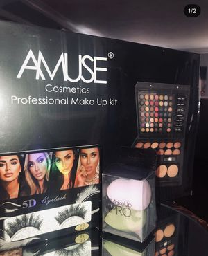 Professional Makeup Kit for Sale in Los Angeles, CA