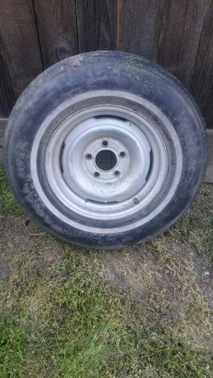 Rim with tire for Sale in Tulare, CA