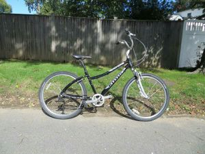 Cannondale Daytripper Cruiser Hybrid Bike for Sale in Belmont, MA