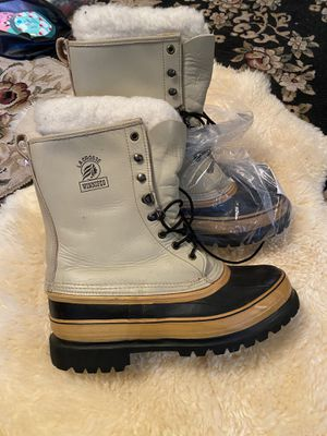 New Winter Boots La Crosse size 9 for Sale in Everett, WA