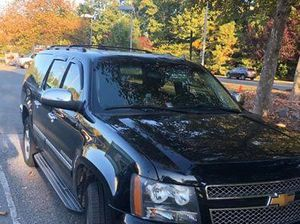 Clean Chevy Suburban for Sale in Frederick, MD