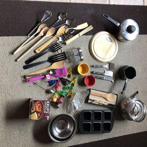 DeLonghi cheese board, Circulon sauce pot, small pot, cookware, serving ware, fridge clips, Krups reusable filter, bai dish, chopsticks, stainless st for Sale in Phoenix, AZ