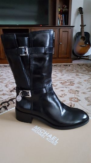 Brand new Michael Kors black leather boots size 5 women's shoes for Sale in Lynnwood, WA