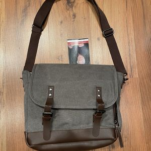 Greg Norman Bag- Brand New In Package for Sale in Grand Rapids, MI