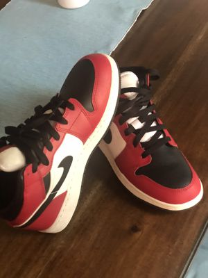 Size6Y for Sale in Peoria, IL