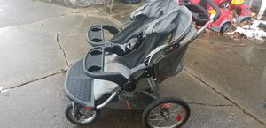 Double jogging stroller for Sale in Buffalo, NY
