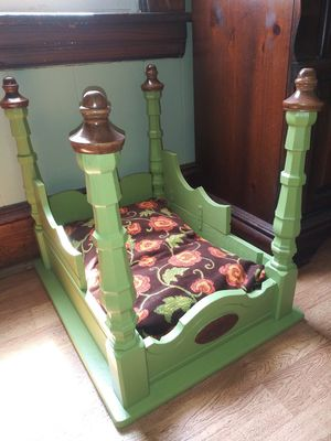 Dog bed for Sale in Cleveland, OH