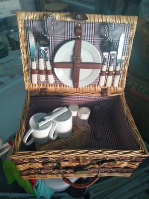 Pinic basket for Sale in Helena, MT