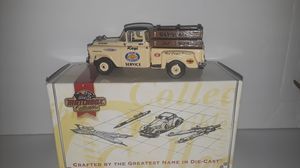 "1995 MATCHBOX COLLECTIBLE ""RAY'S AUTO PARTS"" 1:43 1957 CHEVROLET 3100 PICKUP TRUCK DIE CAST TOY IN ORIG BOX for Sale in Pompano Beach, FL"