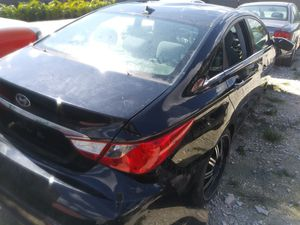 2011 hyundai sonata for parts for Sale in Miami, FL