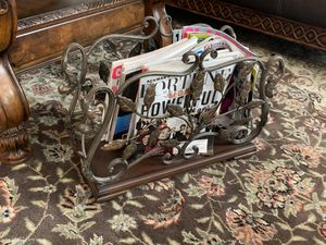 Beautiful Magazine Rack in great Condition!! for Sale in Chandler, AZ