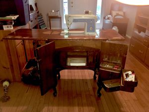Antique Singer Sewing Machine for Sale in Columbia, MD