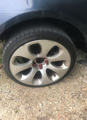Bmw 650i wheels new tires for Sale in Miami, FL