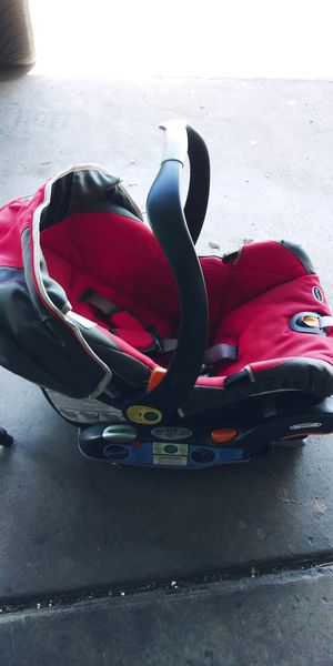 Circo car seat plus 2 bases for Sale in Fresno, CA