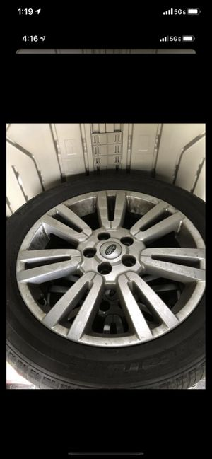 Land Rover Range Rover LR4 wheels and tires for Sale in Vancouver, WA