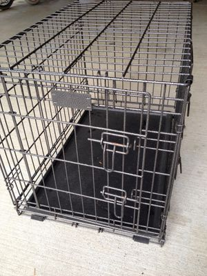 """31""""L 21""""H 19""""W dog crate for Sale in Bonney Lake, WA"""