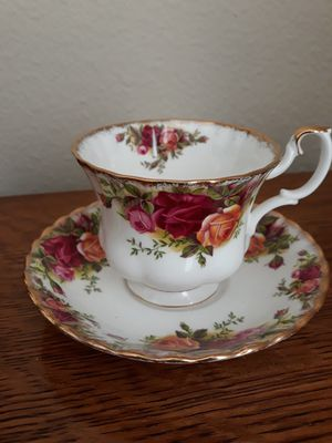 "Royal Albert ""Old Country Roses"" Teacup and Saucer set for Sale in Poway, CA"