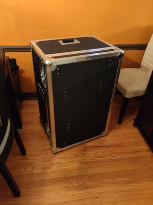 ATA rolling effects or dj equipment rack case with built in table for Sale in Chicago, IL