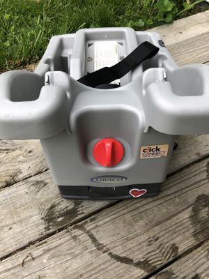 Graco click connect car seat base for Sale in Lochearn, MD