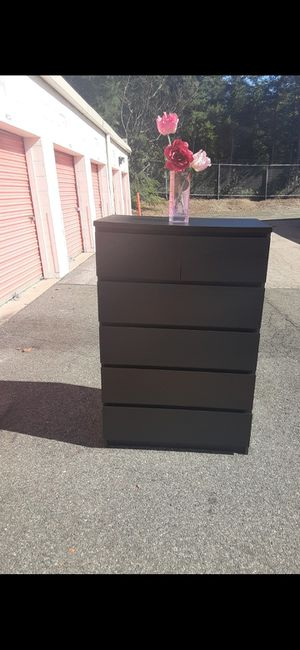 IKEA MALM 6 DRAWER CHEST for Sale in Fairfax, VA