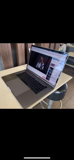 Retina 2018 touch bar - macbook pro 15-2.9 quad core i9-16Gb Ram -256. Ssd for Sale in Los Angeles, CA