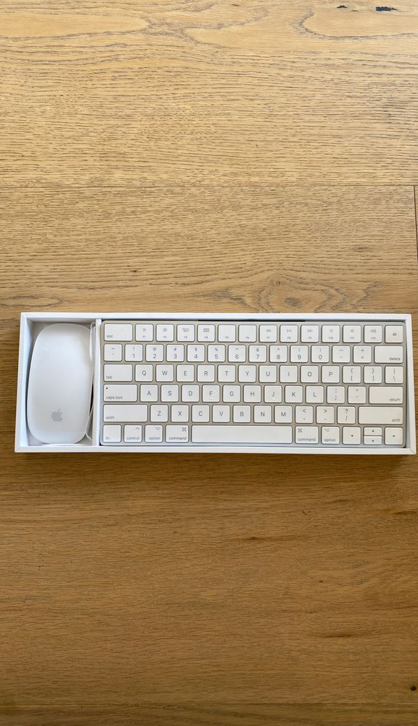 Apple Magic Mouse, Keyboard & Power cord $100