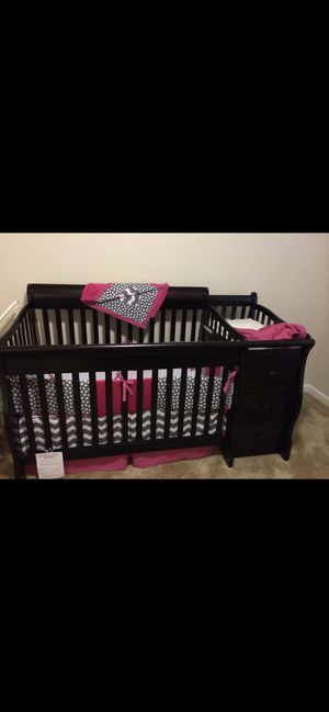 Baby crib and dresser for Sale in North Chesterfield, VA