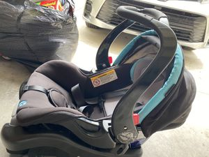 Baby car seat for Sale in Clermont, FL