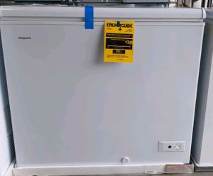 7.1 Chest Freezer GE Hotpoint brand new 📦 for Sale in Orlando, FL