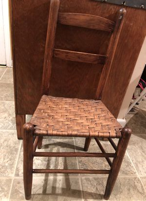 Child's antique straight back chair for Sale in Cowpens, SC