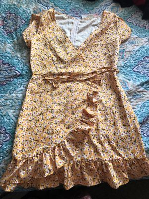 Cute Yellow Ruffle Dress size LG for Sale in Torrance, CA