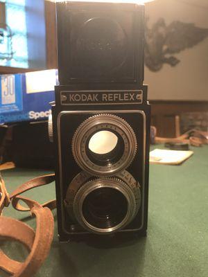 Vintage Kodak twin lens reflex camera for Sale in Evergreen Park, IL