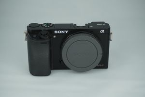 Sony A6000 Mirrorless Digital Camera 24.3MP for Sale in Miramar, FL