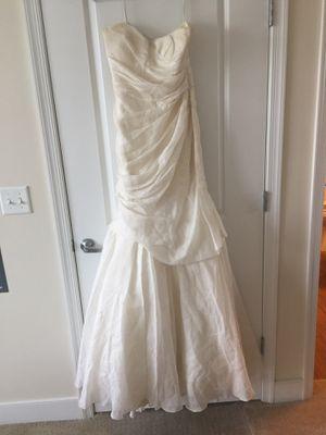 Monique lhuillier mermaid wedding gown for Sale in Remington, VA