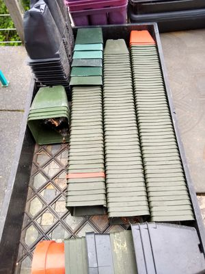 Lots of planting pots, starter pots, and trays for Sale in Puyallup, WA