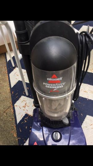 Bissell Bagless Vacuum *great condition* for Sale in Chapel Hill, NC