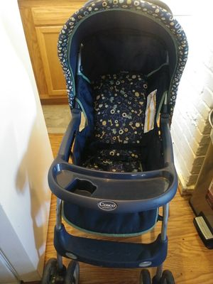 In good condition .... Stroller and carseat for Sale in Richmond, VA